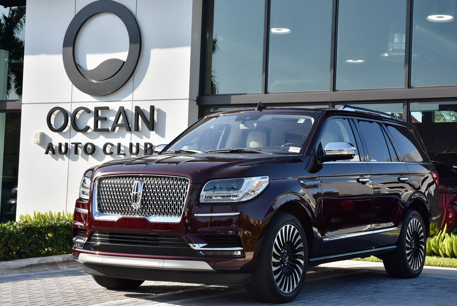 Pre-Owned 2018 Lincoln Navigator Black Label