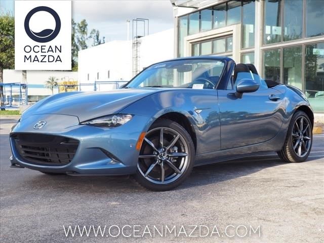 Pre-Owned 2017 Mazda Miata Grand Touring